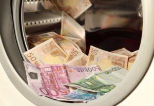 money-1050403_640